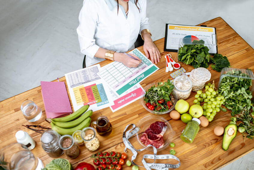 Learn The Difference Between A Dietitian And Nutritionist For Healthy Eating