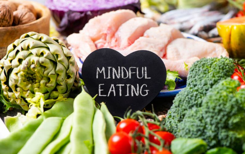 Mindful Eating This Year: How To Stop Food Cravings Before They Start